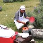ウルタ谷の花畑にて、シェフの贅沢な昼食ピクニック