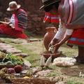 ウルバンバ谷:ケチュア族のミスミナイ村の生活風景(ペルー)