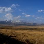 ペルー・ブランカ山群のワイラス回廊とアンデス山脈