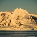 南極半島の朝焼け:ジェルラッシュ海峡にて -南極クルーズ