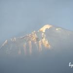 ペルー・ブランカ山群で迎える、アンデス山脈の朝日