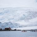 アルミランテ・ブラウン基地に迫る氷河:パラダイスハーバー