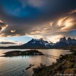 パタゴニアの朝日と夕日:オーロラのように揺らめく幻想