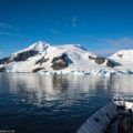 探検船クルーズで行く南極大陸:中型アドベンチャー船の魅力