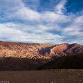14色の山「オルノカル」へ/アルゼンチン・ウマワカ渓谷の絶景