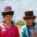 ペルー・アンデス:ケチュア族の民族衣装と「ブランカ山群」の大展望